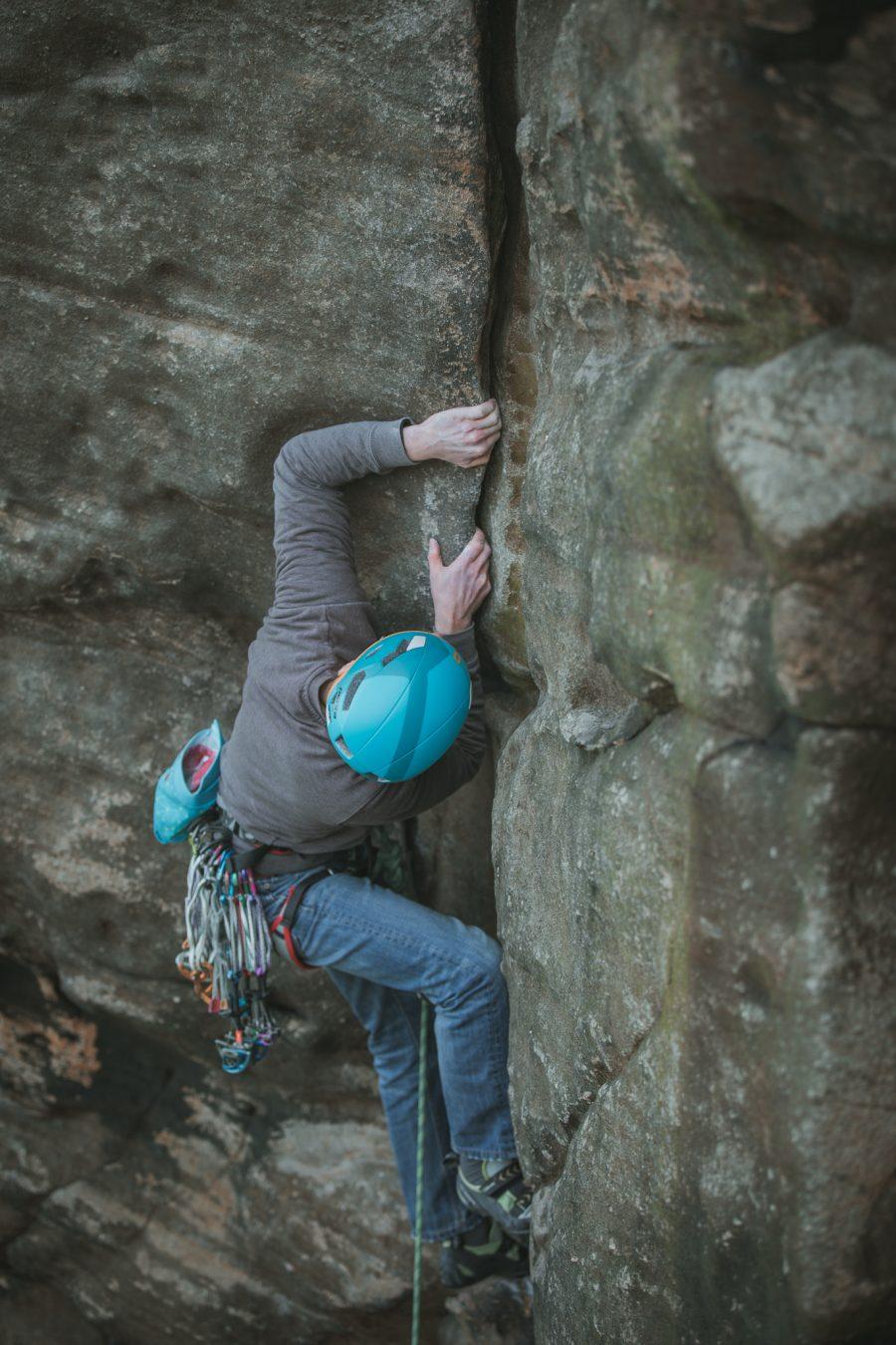 almscliffe crag trad overhanging groove