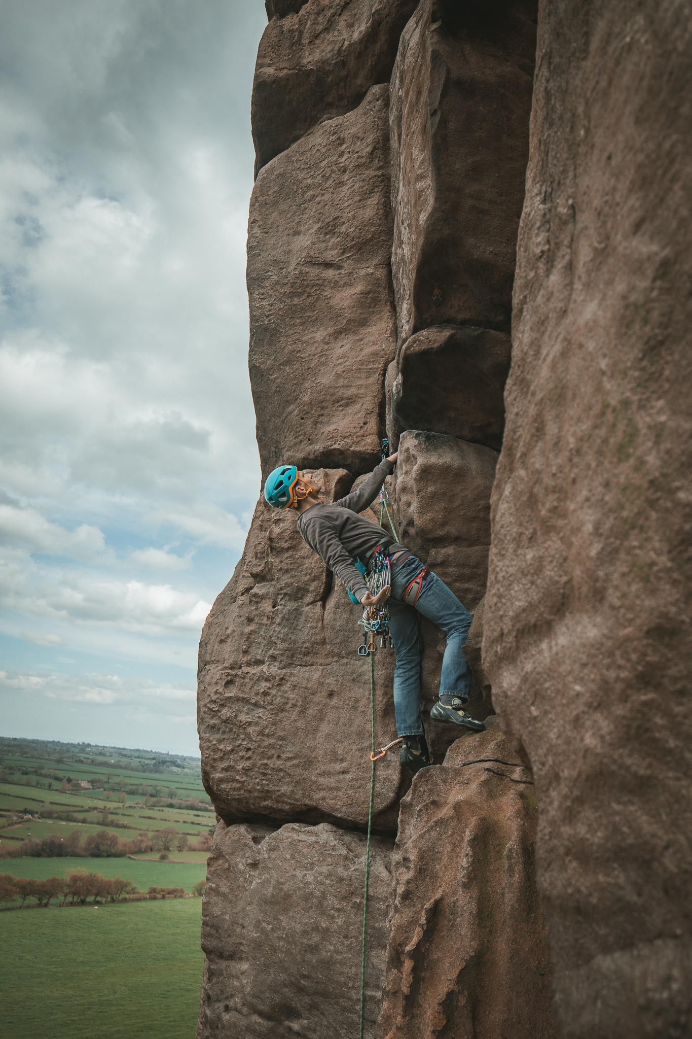 overhanging groove hvs trad photo