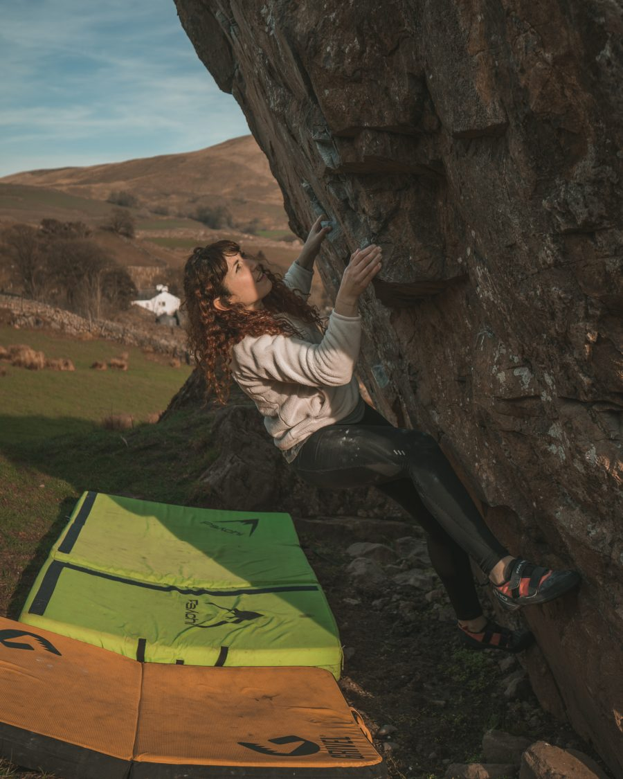 bouldering woman 6a kentmere