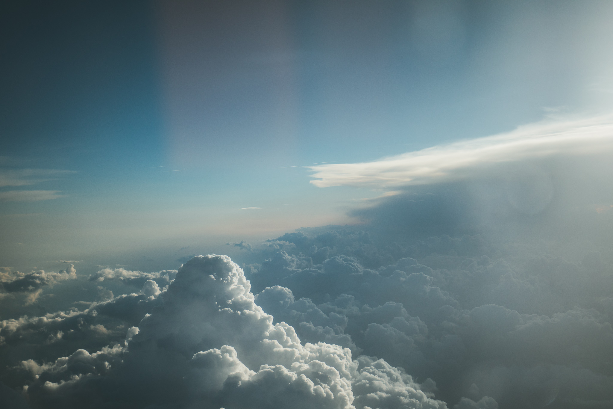 plane clouds travel