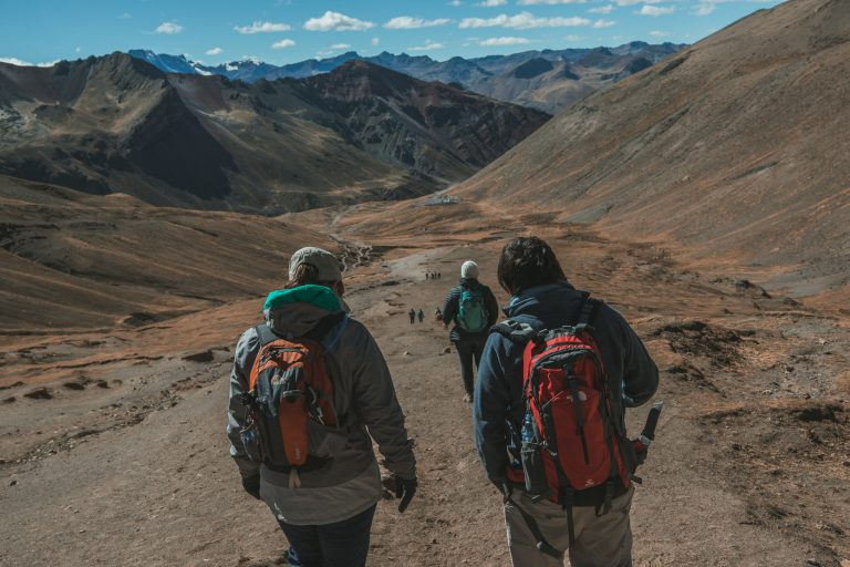 rainbow mountain peru flashpack solo travel