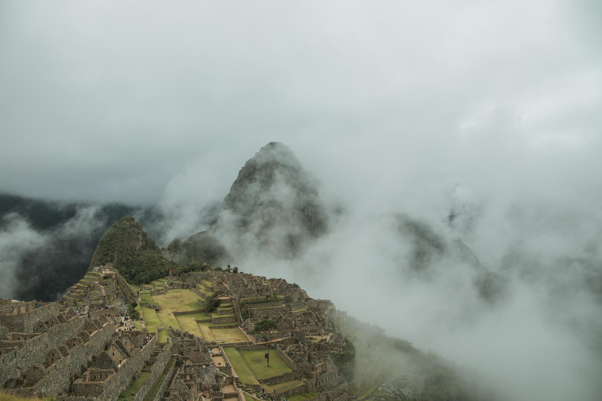 machu picchu misty day