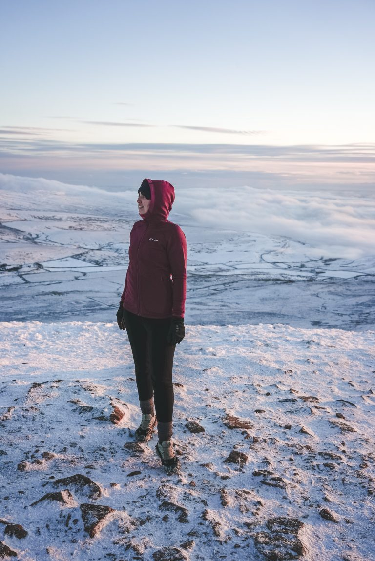 pen y ghent yorkshire dales cloud inversion woman trail running