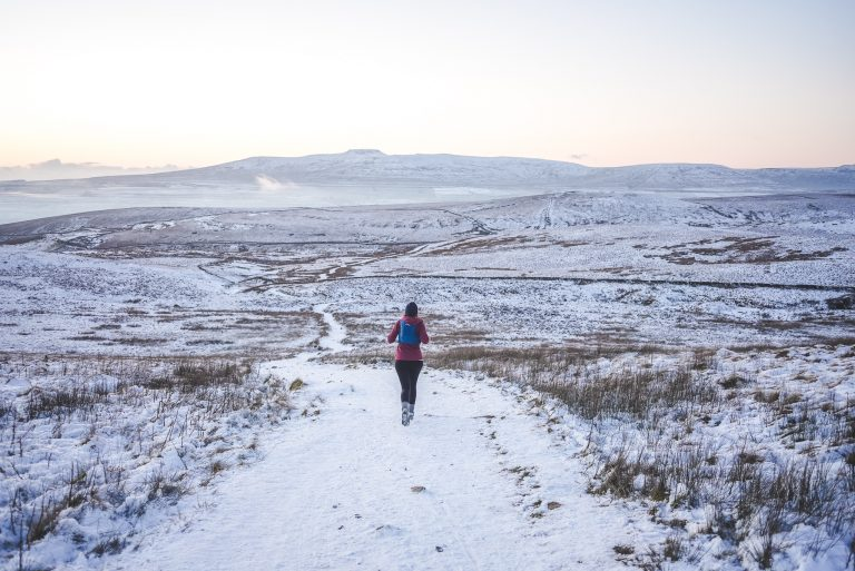 pen y ghent yorkshire dales trail running salomon woman snow