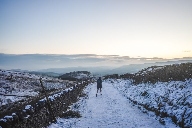 pen y ghent yorkshire dales trail running man snow